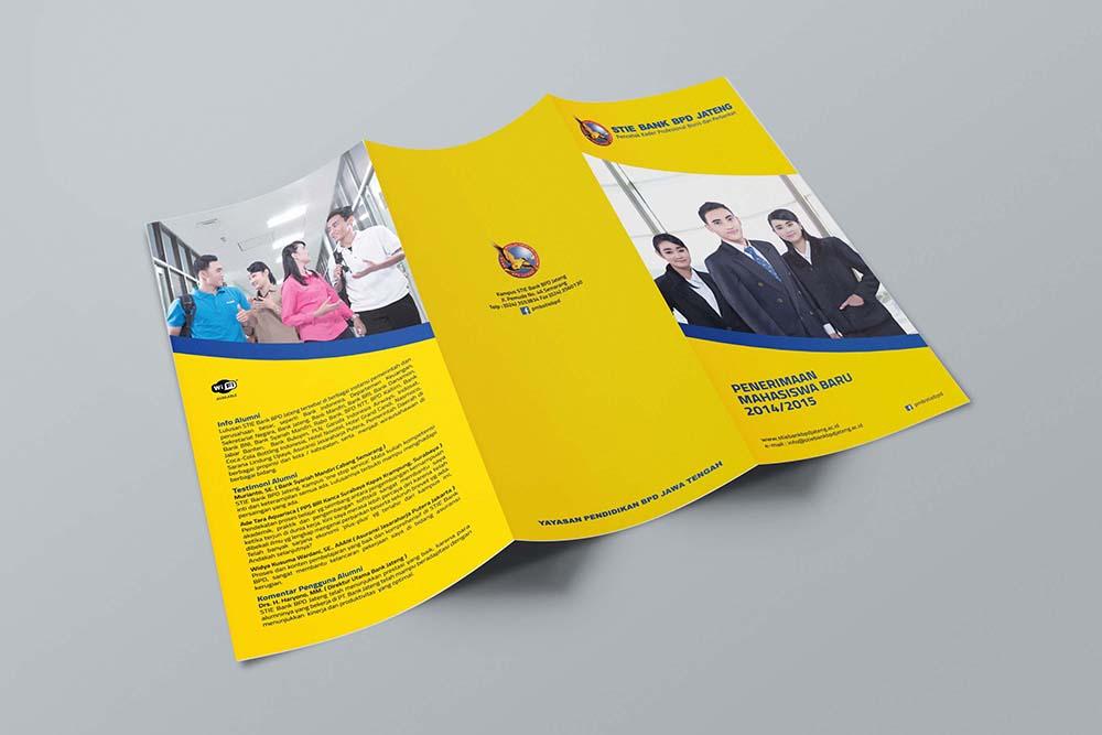 Desain brosur sekolah universitas STIE bank bpd jateng 2014 luar