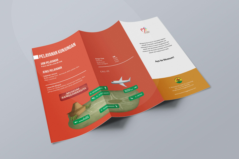 Desain Brosur Museum Ranggawarsita Semarang ORANGE Brochure Mock up 3
