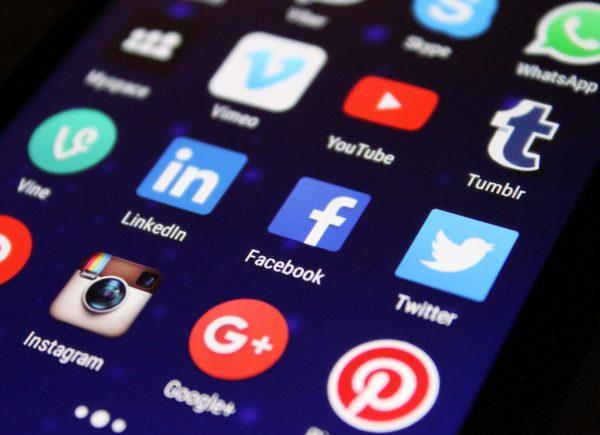 sosial media dalam pengembangan bisnis