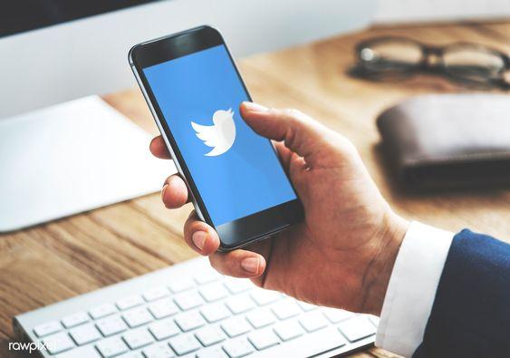 Desain logo perusahaan Twitter