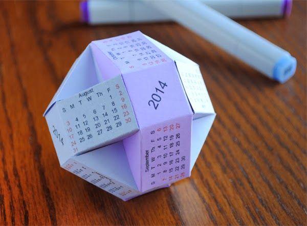 desain kalender 2020 berbentuk origami