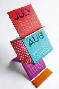 Penawaran harga jasa desain kalender meja plastik